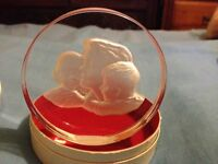 Mother's Day etched glass paperweight mother & children ornament