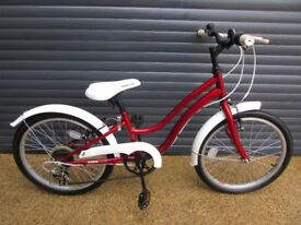 GIRLS APOLLO STEPTHROUGH BIKE IN EXCELLENT ALMOST NEW CONDITION.. (SUIT APPROX. AGE. 6 / 7+)..