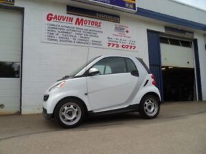 2014 smart fortwo pure, Approx 60 MPG, well equipped.