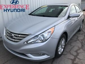 2012 Hyundai Sonata GL SUNROOF | AC | HEATED OPTIONS | STYLISH |