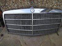 MERCEDES GRILLE -- W116 ,S CLASS / 280S - 450 SEL --- 1973 to 1980