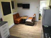 SHMP AGENT OFFER NICE AND GOOD SIZE DOUBLE ROOM IN THREE BED HOUSE NEAR LEYTON UNDERGROUND STATION
