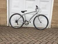 Reflex hybrid bike 700c wheels
