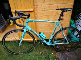 BIANCHI road bike As new