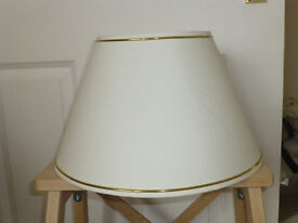 Several cream coloured elegant ceiling light shades - 35cm