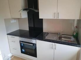 Nice double room with its own kitchen in colindale £780 pm