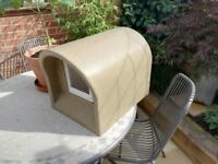 outdoor cat /dog house