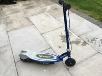 BLUE E90 RAZOR ELECTRIC SCOOTER WITH CHARGER