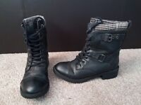 Rocket Dog Black Military Biker Lace Up Boots with Buckle Detail - Size 6