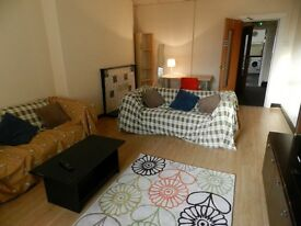 Room in spacious flat share in wavertree