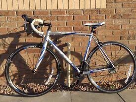 Fuji Roubaix bike 1.5 frame listed as M/L