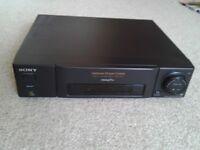 Sony SLV-E25 VHS VIDEO RECORDER VCR with Remote Control