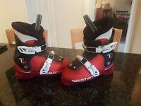 Childrens Salomon ski boots Mondopoint size 20 / Size UK 13