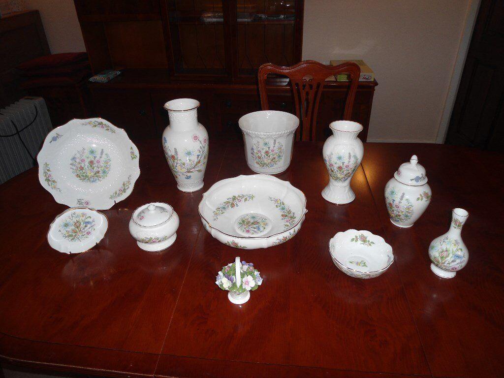 Eleven pieces of Aynsley Wild Tudor ornaments in excellent condition