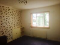 Ground floor 2 bed flat in Woodside, Glenrothes. Walk-in condition.