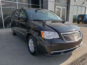 2012 Chrysler Town & Country| Cloth| Stow 'n Go| Power Liftgate|