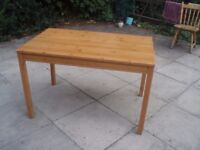 A SOLID CLEAN LIKE NEW ASH WOOD TABLE