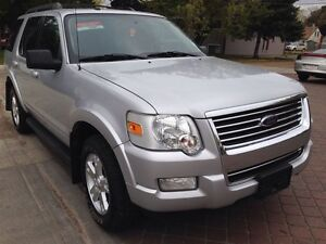 2009 Ford Explorer XLT IMMACULATE!!