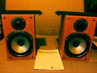 Quality pair monitor audio br1 compact speakers