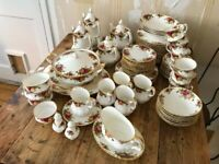Royal Albert Old Country Roses Dinner Set - 93 pieces