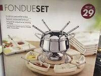 29 piece fondue set brand new
