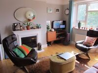 Fully furnished, 2 bed flat in Stoke Newington with off street parking