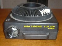 Kodak Carousel Projector S-AV1010 and Screen Top Quality Made in Germany