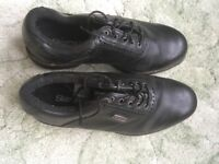 Slazenger golf shoes - almost new. Size 7