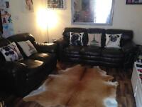 DARK BROWN LEATHER SUITE 3+2 IN EXCELLENT CONDITION FREE LOCAL DELIVERY AVAILABLE