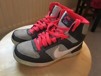 Nike Sneaker Size 3.5 UK | 36 EUR