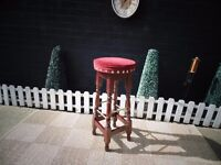 BEAUTIFUL SOLID PINE PUB STYLE STOOL VERY SOLID AND IN EXCELLENT CONDITION 35/35/78 cm £15