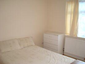 No Agents Please!! Ground Floor 2 Bed Flat with Garden. Bills Incl. Benefit Applicants Considered.
