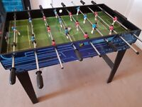 2-in-1 kids games table - table football & pool- great Xmas present