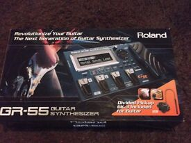 Roland GR55 Guitar Synthesizer GK3 pick up complete with flightcase original box etc