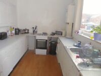 Double room, Fully furnished near Crewe Station. Smart tidy house
