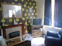 holbeck 5 min to c. centre 1bedroom back to back house plus attic storage via steps f furnished
