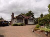 Large 3 bed Bungalow with Annex, close to Station, L&D, Motorway