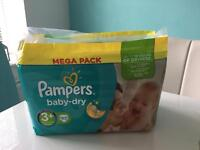 Pampers 3+ nappies