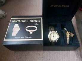 Michael Kors watch and bracelets giftset