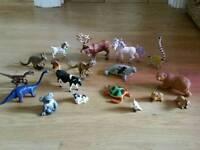 18 Plastic toy animals reindeer dinosaurs bears dog turtle seal lemur etc vgc