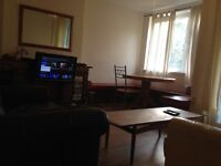 TWIN ROOM SHARE AVAILABLE FOR MALE IN PUTNEY SW LONDON