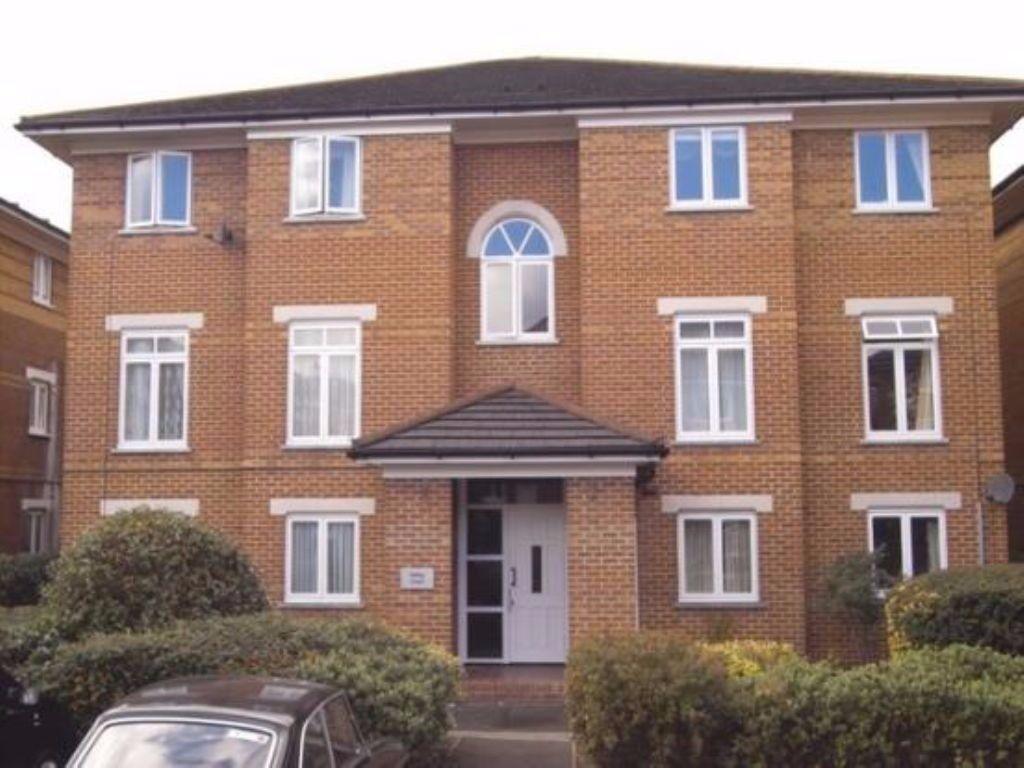 One bedroom flat in modern development 10 mins walk to Hendon Central Tube Station