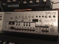 Roland TB-03 & TB-09
