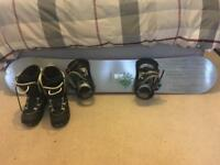 153cm Head Snowboard Complete with bindings and Size 9 Boots