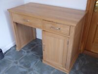Beautiful Wooden Desk, Excellent Condition, Perfect for Desktop Computer PC