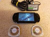 PLAY STATION PORTABLE model 1003 + GAMES