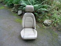 CAR SEAT. LEATHER, TILTS AND RECLINES