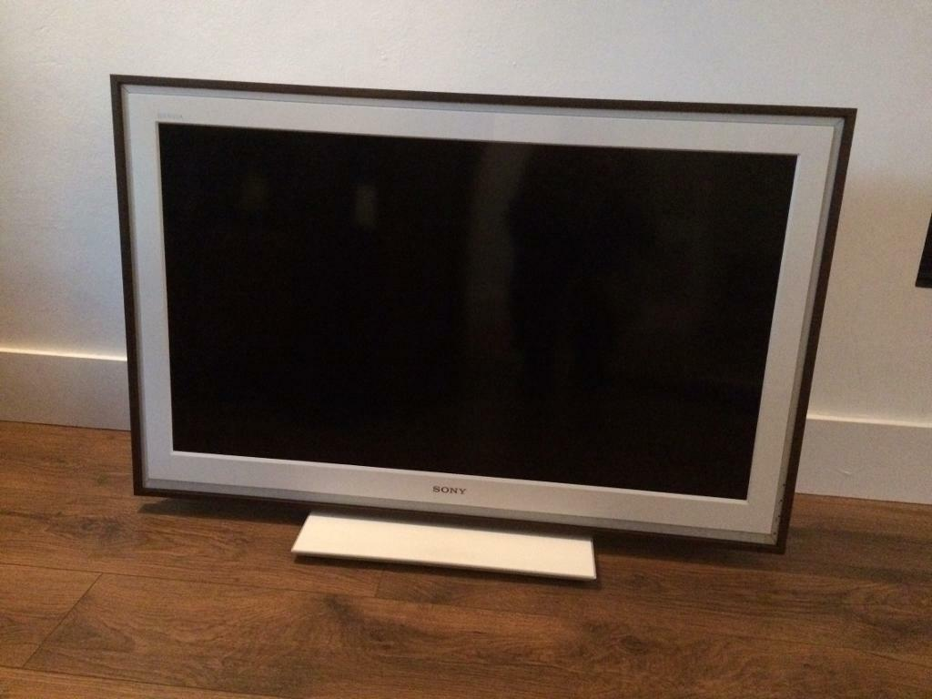 "Sony Bravia PIcture Frame TV 40""! Great Condition!"
