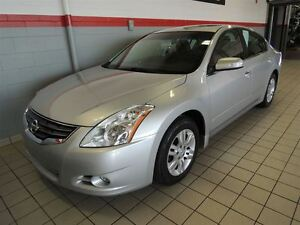 2010 Nissan Altima 2.5 FULL TOIT-MAGS-CUIR SEULEMENT 48,000 KM
