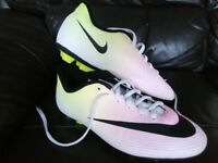 Nike football boots in excellent condition size 5.5